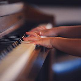 blind piano teacher